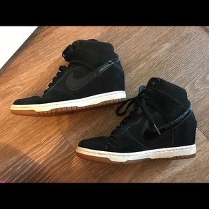 Nike sneakers black 7.5/ Ski Hi